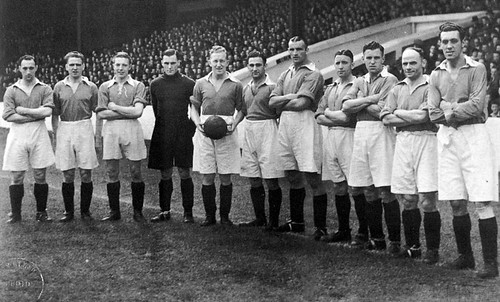 Manchester United 1945-46 team photograph