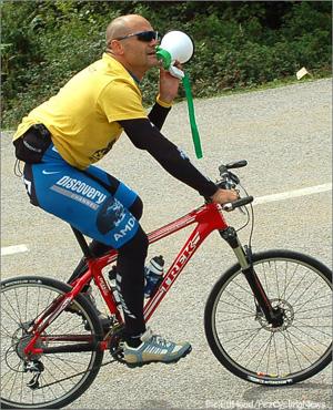 Posisi Rider Tegak dengan Flatbar