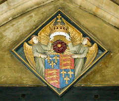 magdalen college oxford (Clive Jones Photography) Tags: travel roses urban wings nikon heraldry coatofarms squares culture angels oxford oxfordengland oxforduniversity mitres historicalplaces oxforduk magdalencollegeoxford learnings clivejones theoxonian copyrightclivejones