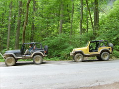 YJ and TJ (gwarjeep) Tags: red river lift jeep mud 4x4 kentucky gorge kit yj tj goodyear mtr wrangler