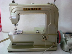SEWMATIC (anaeme) Tags: sewingmachine maquinadecostura