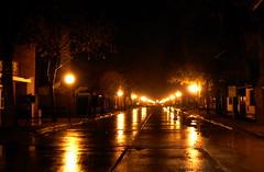 Wet on Wet +133 vistas! gracias!!! =0) (Le Soleil Brille) Tags: street light luz rain noche calle lluvia perspectiva soe mojado mywinners dragongold bestofdamn