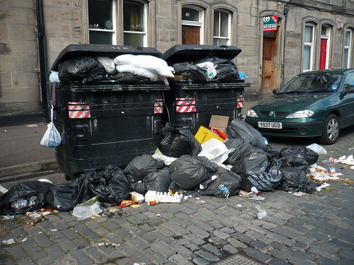 Bin Men work to rule continues