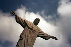 (daz tazer) Tags: city trip cidade brazil rio brasil america 35mm de fuji janeiro god superia south olympus 400 35 favela slum deus janerio rochina