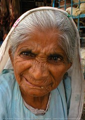 Portrait: Old woman (Ameer Hamza) Tags: poverty old pakistan portrait people woman face asian women asia faces poor single lonely aged karachi aging ppa ameerhamza pakistaniat lpfaces