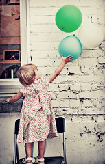 Luna with balloons (Gabriela Da Costa) Tags: party costa vintage balloons belgie d luna explore silla gabriela globos stoel feestje blgica balones allrightsreserved todoslosderechosreservados gabrieladacostagomez gabrieladcosta photographercuracao gabrieladcostaphotography wwwgabrieladacostacom gabrieladacostaphotography gabrieladacostafotografa photographerbasedincuracaonetherlandsantillesspecializingineventsportraitsandweddings