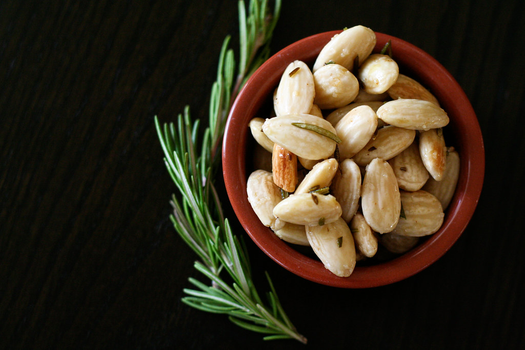 Simple & Delicious: Rosemary Fried Almonds