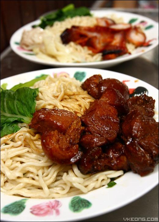 braised-pork-noodle