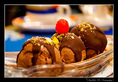 Sin @ Holiday Inn (~Urban Prowler~ (www.anshumm.com)) Tags: food cherry dessert chocolate delicious icecream sundae nikond90 18105vr anshummandore anshumm