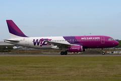 HA-LPX - Wizzair - Airbus A320-232 (A320) - Luton - 090909 - Steven Gray - IMG_4643
