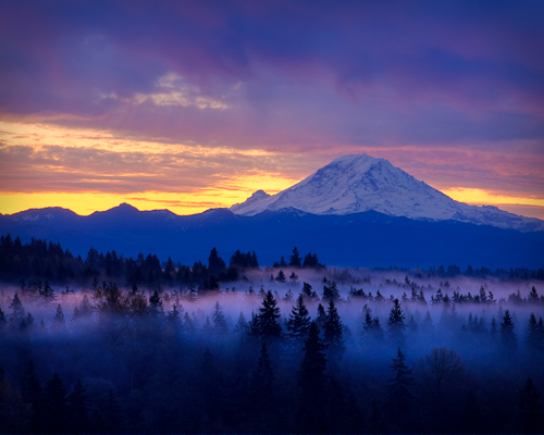 2008-11-27-Rainier-GRCC-Sunrise-HDR-8x10
