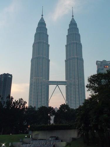 Nómadas - Kuala Lumpur, ciudad de vértigo - 08/12/13