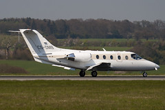 CS-DMB - RK-403 - Netjets Europe - Raytheon Hawker 400XP - Luton - 100423 - Steven Gray - IMG_0326