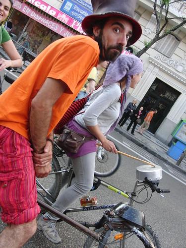 criticona 2010: percusión ciclista con cacharros de cocina