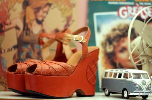 70's platform sandals