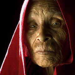 The Age (risquillo) Tags: old red portrait face photography mujer nikon women bravo emotion retrato risquillo