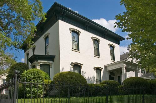 Elegant Formal Home,modern,house,design