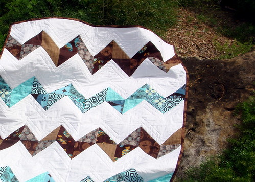 blue brown zig zag quilt