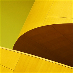 (barbera*) Tags: wood brown toronto green lines yellow architecture stairs geometry shapes ago curve frankgehry barbera artgalleryofontario 124810