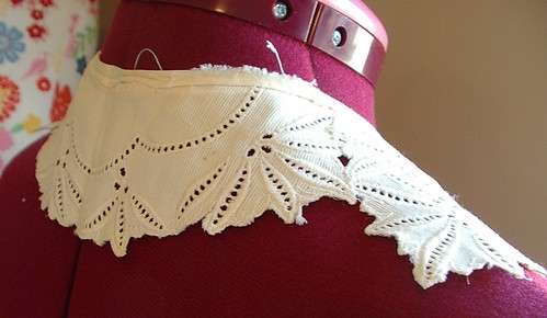 eyelet fabric vintage collar