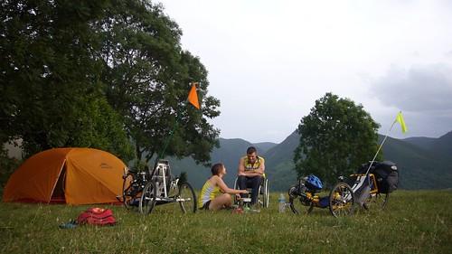 camping pres de Tarascon