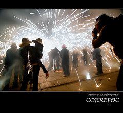 correfoc (tofercu) Tags: ocean barcelona blue red sea portrait people color beach nature water self canon landscape photo spain europe flickr day photos girona explore catalunya fuego 1001nights costabrava photgraphy correfoc subset globus foc volar empord illesmedes abigfave anawesomeshot tonifernandez lesamisdupetitprince tofercu photobnet correfoc2009 labisbaldemporda