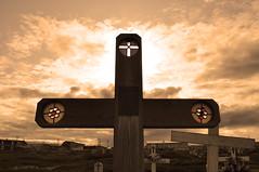 Arctic cemetery (Len Radin) Tags: cemetery grave alaska arctic soe radin drurydrama newgoldenseal