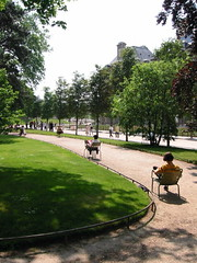 le Jardin du Luxembourg (photographer unknown, via TravelWithTerry.com)
