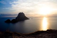 es vedr (_sanguine_) Tags: sunset sea sky seascape island atardecer mar magic paisaje ibiza cielo puestadesol isle isla magia esvedr esvedra eivisa energamagntica