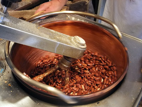 Making Caramel Nuts