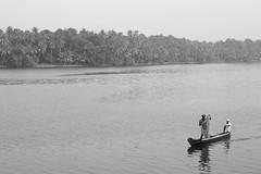 Fisherman Kolam LF43mm f8 Vs1.100 (Nicolas De oliveira) Tags: india fisherman kerala kolam