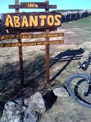 foto.jpg (antxi) Tags: ruta mi hospital spain nikon btt bicicleta accidente d100 desde iphone d300 caida cadera abantos espana montana antxi luxacion