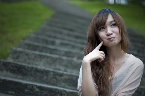 フリー画像| 人物写真| 女性ポートレイト| アジア女性| 考える/悩む| 中国人|      フリー素材|