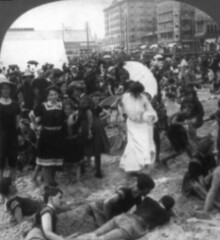(animated stereo) Beach scene, Atlantic City, NJ.  1906 (Thiophene_Guy) Tags: blackandwhite bw men history beach monochrome umbrella stereogram 3d newjersey sand women dress crowd nj jiggly wiggly stereo parasol kelley atlanticcity boardwalk stereoview animated gif jiggle bathing parallax animatedgif 20thcentury bathingsuit wiggle 1900s derivativeworks stereophotomaker thiopheneguy motionparallax animatedstereo imagesharedbythelibraryofcongress ewkelley universalviewco1906