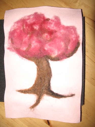 Valentine tree with leaves felted