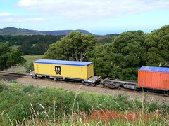 mountain train (sth475) Tags: railroad mountain train wagon flat box scenic railway container msc endoftrain illawarra eot conflat cqbyclass cqby2046l