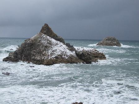 雪の笹川流れ~お獅子岩