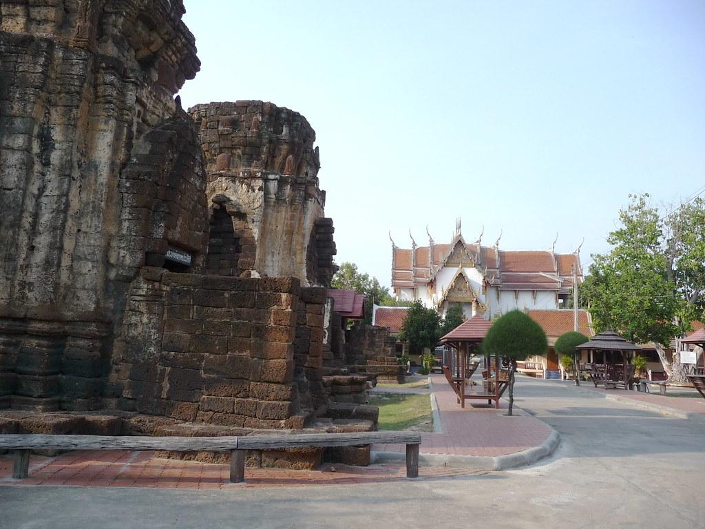 Phetburi-Wat Kamphaeng Lang (4)