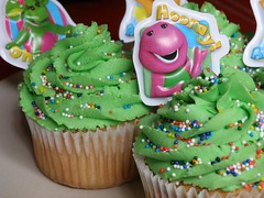 Cupcakes with Toppers(3) (addiction.cupcakes) Tags: cupcakes with barney toppers