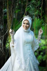 DSC_0399 copy (Hafiz Pesona (www.duniapesona.com)) Tags: wedding photography groom bride model photographer outdoor hijab pengantin melayu fotografi kahwin perkahwinan gaun pesona bertudung senifoto