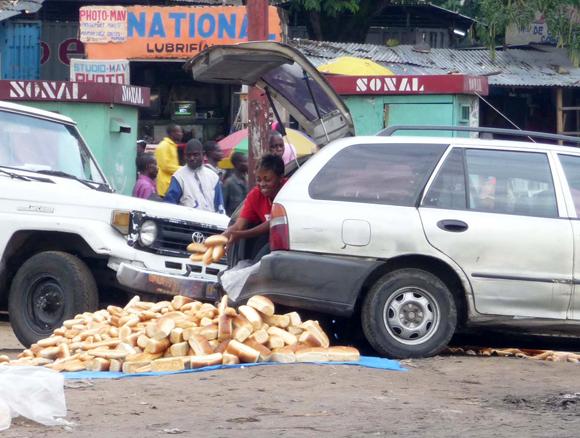 Livraison de pain à Kinshasa