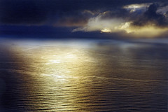 North cape at midnight (Bozze) Tags: ocean midnight soe northcape nordkap nordkapp vk mywinners wwwoppnahorisonterse wwwopenhorizonsfinearteu