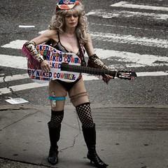 Naked Cowgirl (Julio Lpez Saguar) Tags: usa ny newyork naked guitar manhattan guitarra julio timessquare cowgirl lopez nuevayork estados desnuda unidos vaquera saguar juliolpezsaguar