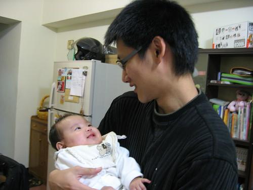 2009.03.15 抱著同學的女兒…