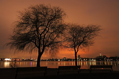 Eyes Wide Shut - Hamburg (arminMarten) Tags: longexposure nightphotography night canon lowlight nacht wideshot hamburg dslr nachtaufnahme  400d canon400d  armanh  tamronaf1118mm4556diii