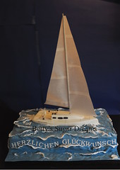 Sailing (Bettys Sugar Dreams) Tags: cakes water cake shop germany deutschland wasser handmade hamburg hochzeitstorte segelboot torte backen sailingboat torten geburtstagstorte hochzeitstorten sugarcraft sugarpaste jboat motivtorte sugardreamsde bettinaschliephakeburchardt bettyssugardreams