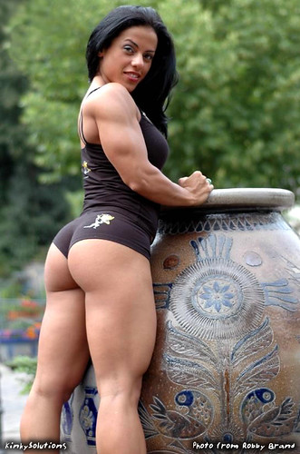 Mavi Gioia is Female Muscle In Italian Package