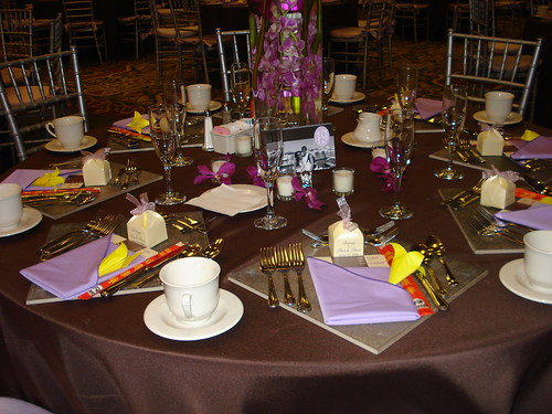 diy dinner chargers for wedding reception