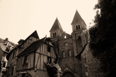 Conques - L'abbatiale Sainte-Foy (carlos_seo) Tags: world santiago france heritage sepia digital photography photo site europe flickr village picture medieval unesco finepix fujifilm midi 2009 pyrenees conques compostella s9600