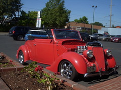 Ford Coupe (SoulRider.222) Tags: red brick ford portland engine convertible redrule 100 portlandoregon redflowers redcar softtop redford redcars fordconvertible sooc fordengine thejagshop nikonsooc softtopdown hoodremoved